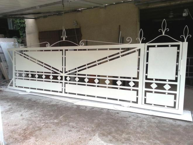 fabrication escaliers portails pergolas rampes. Black Bedroom Furniture Sets. Home Design Ideas